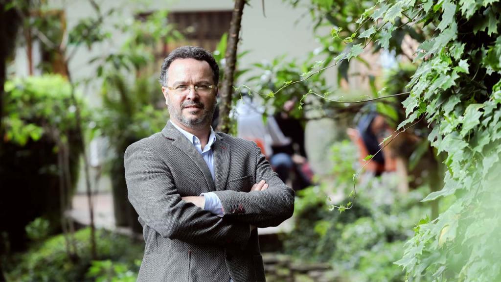 Foto del profesor Eduardo Escallón