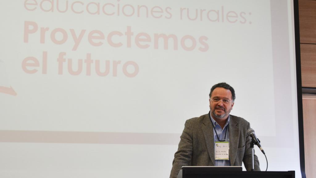 Imagen de Eduardo Escallón Largacha, decano de la Facultad de Educación de la Universidad de los Andes.