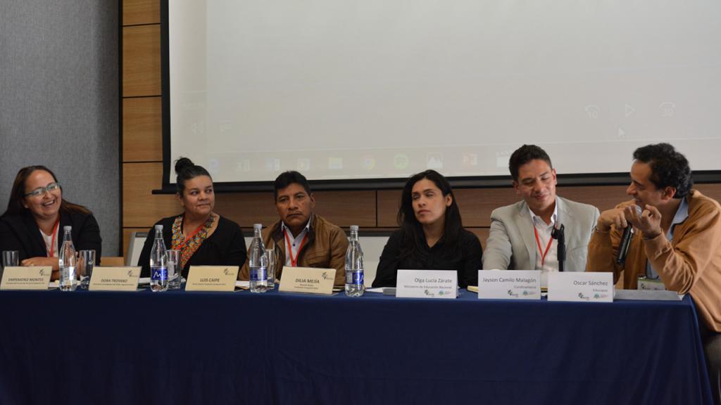 Imagen participantes panel 1.