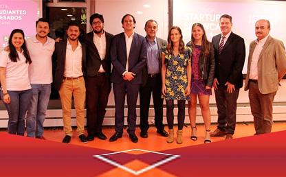 Foto de los ganadores de la competencia de emprendimiento eMerge
