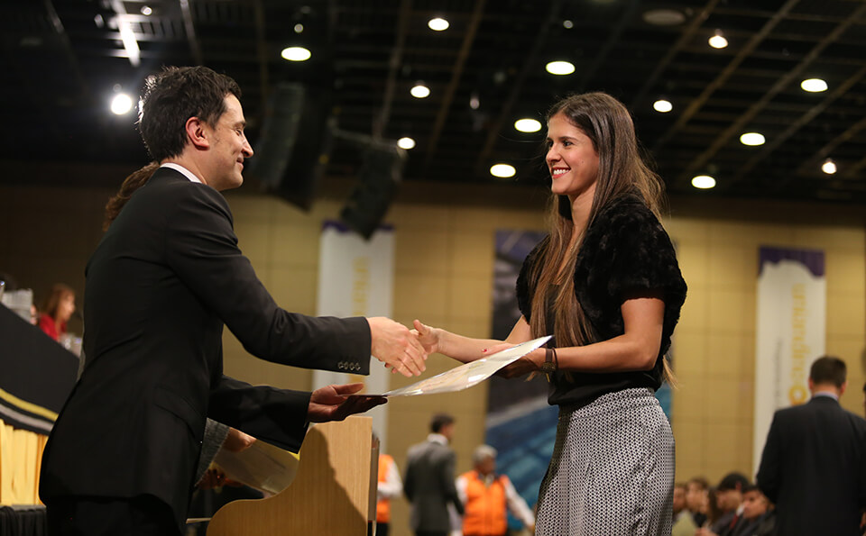 Foto entrega de diplomas 2016-2