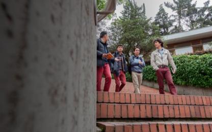 opcion de grado practicas academicas derecho uniandes estudiantes en campus
