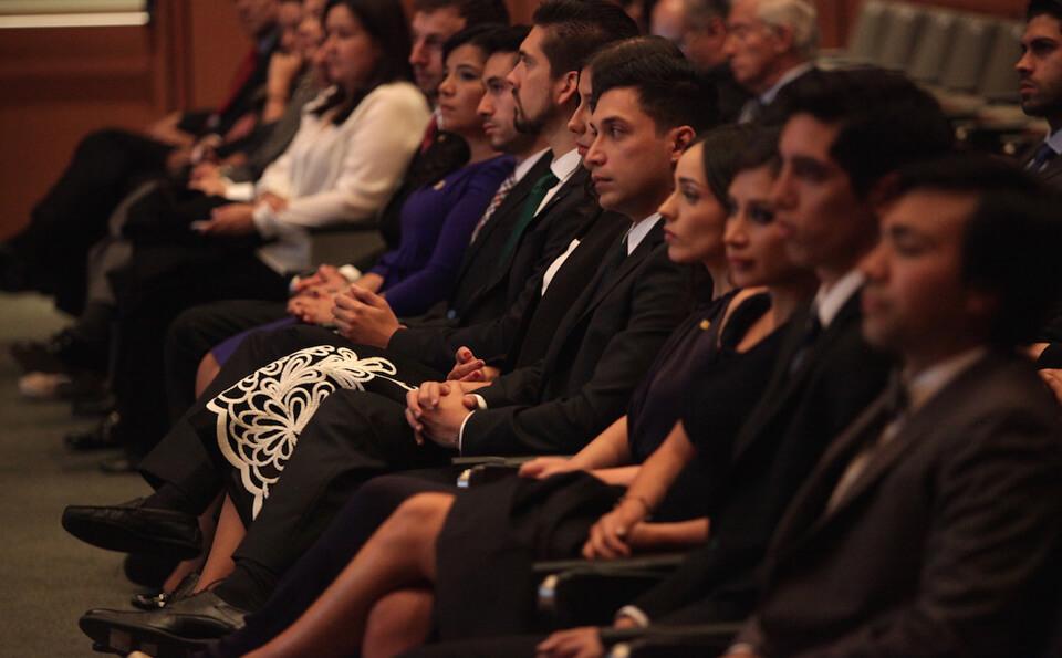 Foto estudiantes en ceremonia de grados medicina 2015-2