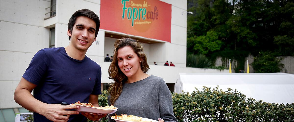 Estudiantes de la Universidad de los Andes apoyan la Semana del Fopre Café.