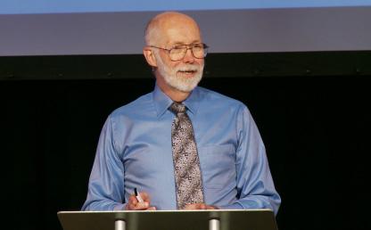 Retrato del Dr. Everett Worthington (Ph. D.), líder mundial de la ciencia del perdón, la esperanza y la reconciliación