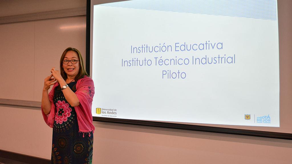 Judith Guevara Uribe, rectora del Colegio José Asunción Silva, una de las experiencias elegidas.