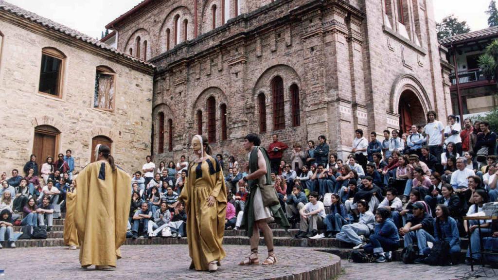 Imagen de una obra de teatro presentada en la Universidad de los Andes.