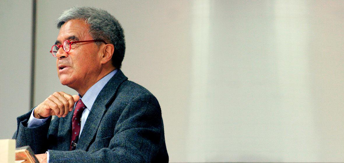 Carlos B. Gutiérrez, profesor de Filosofía.