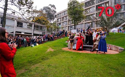 La Fiesta del Bobo regresó para cerrar las celebraciones con teatro, música y comida.