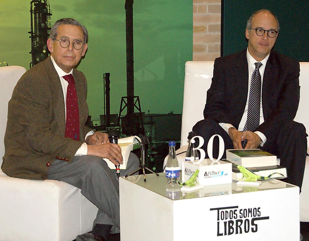 Carlos Caballero Argáez, exdirector y profesor de la Escuela de Gobierno de la Universidad de los Andes y Juan Carlos Echeverry, presidente de Ecopetrol.