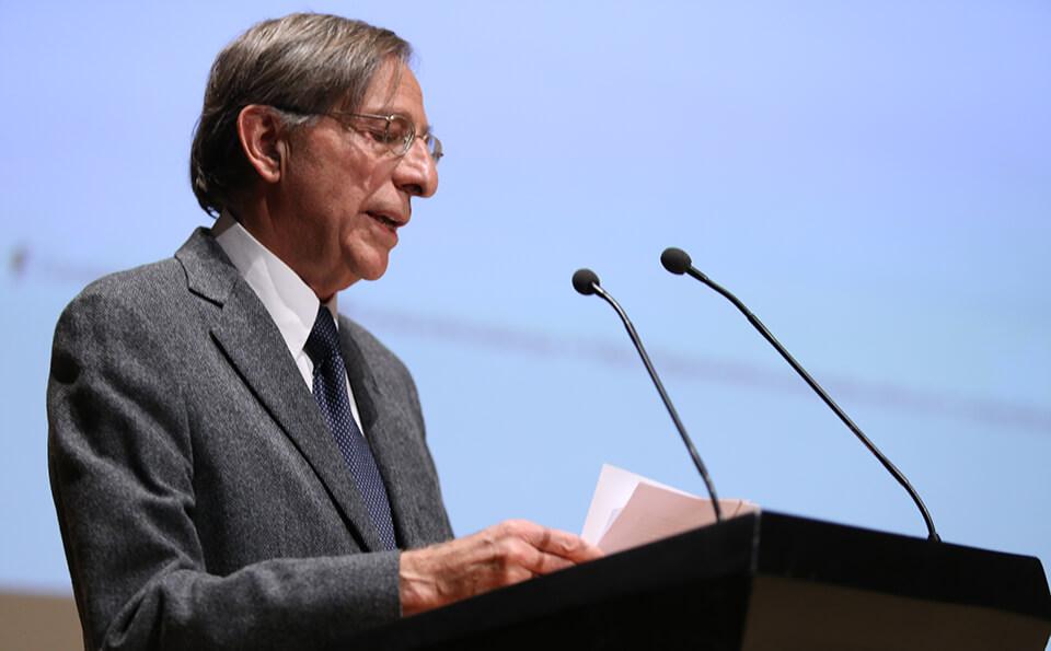 Foto profesor honorario Francisco Rueda