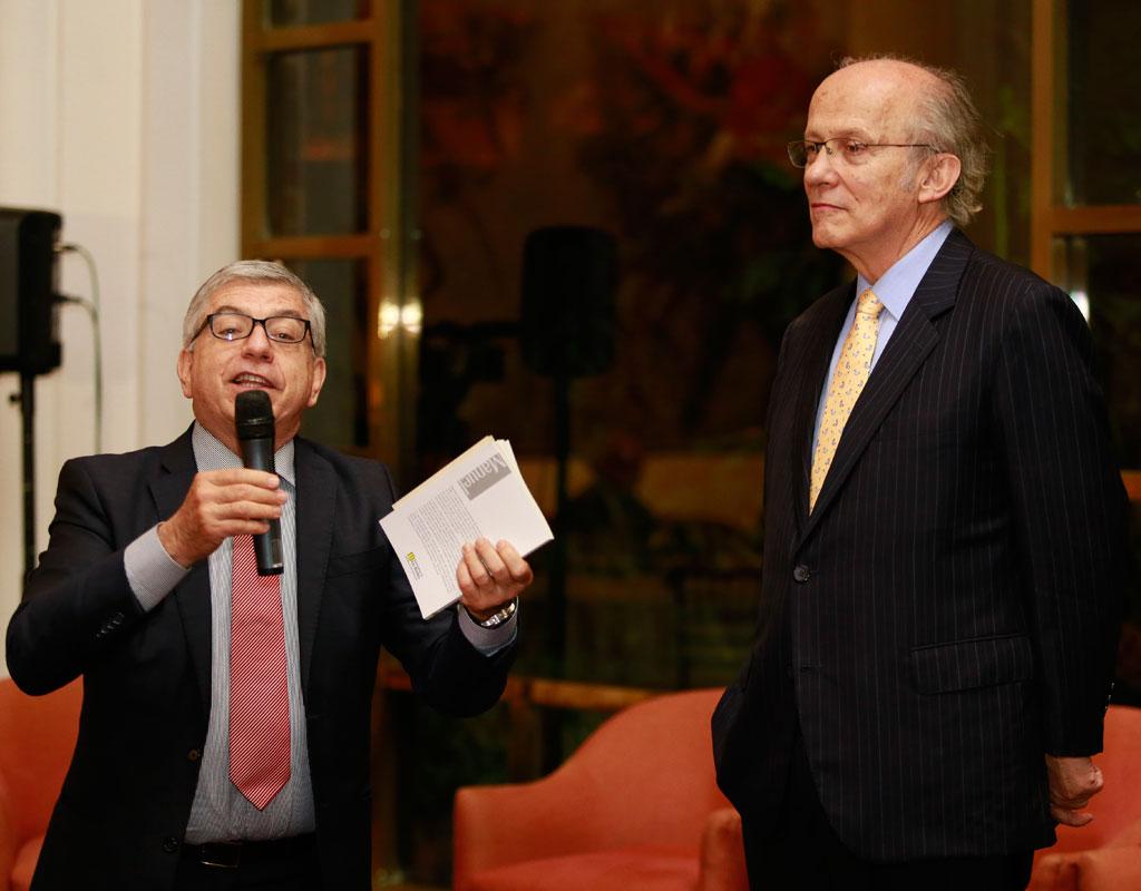 El expresidente César Gaviria Trujillo y Manuel Rodríguez Becerra.