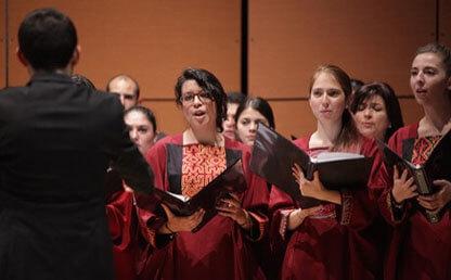 Coro Uniandes interpreta obra Gaudeamus Igitur