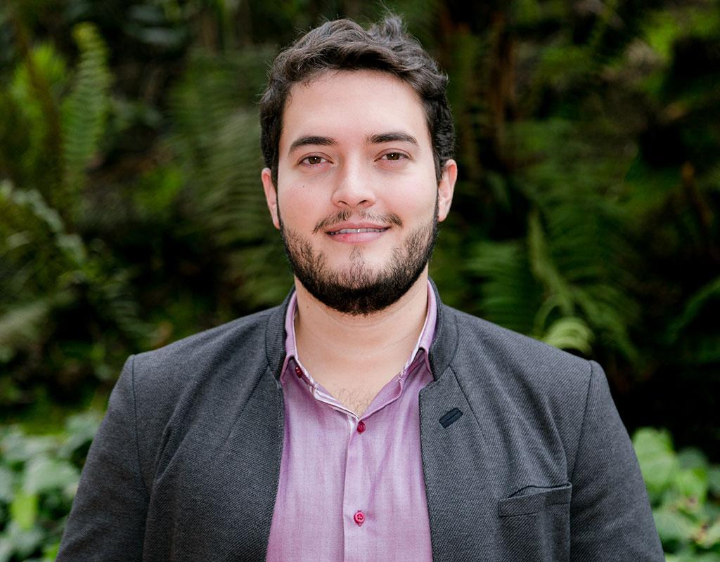 Daniel Martínez Morales, estudiante que recibió la distinción a la Responsabilidad Social Universitaria, en la ceremonia de grados 2017-2.