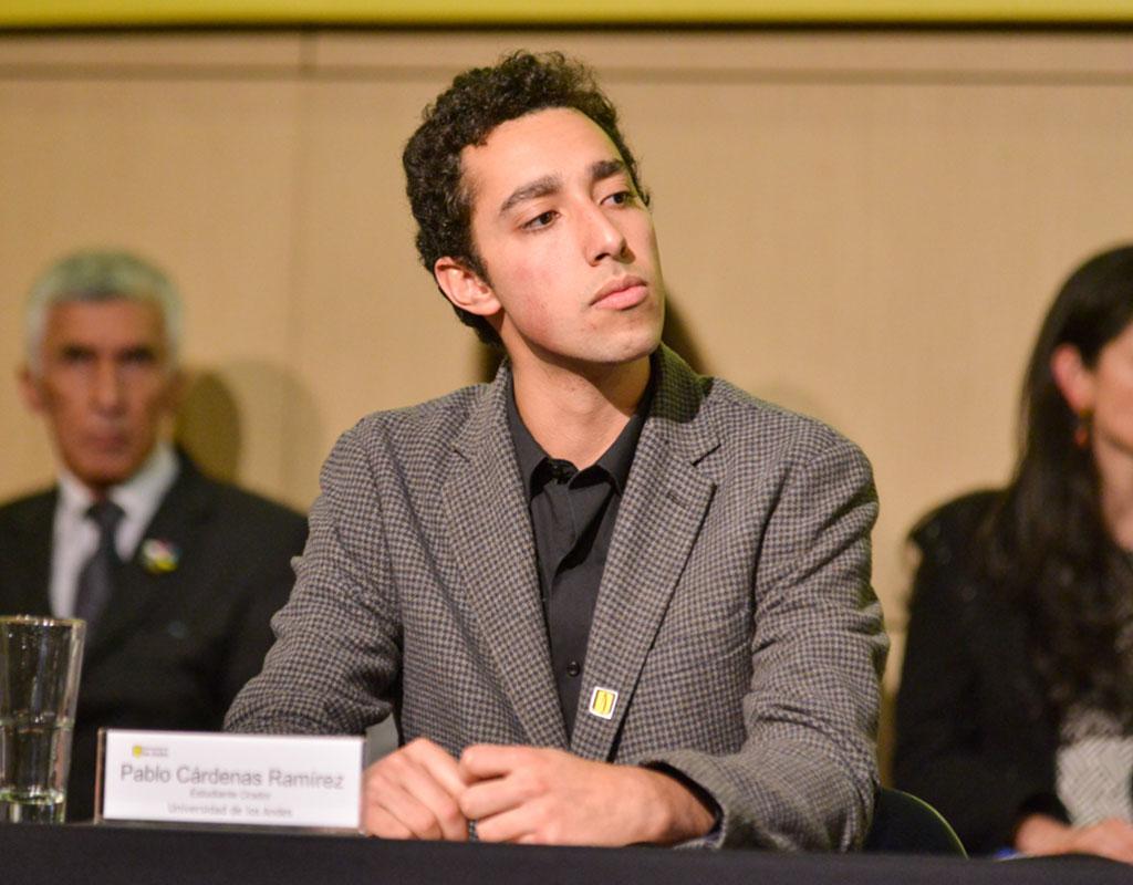 Pablo Cárdenas Ramírez recibió la distinción ´Summa cum Laude´ en la ceremonia de grados de pregrado 2018-1.