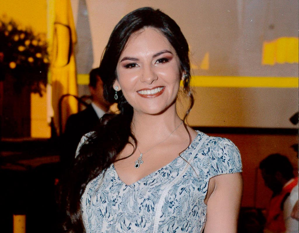 Paula Andrea Romero Barreto recibió la distinción ´Summa cum Laude´ en la ceremonia de grados de pregrado 2018-1.