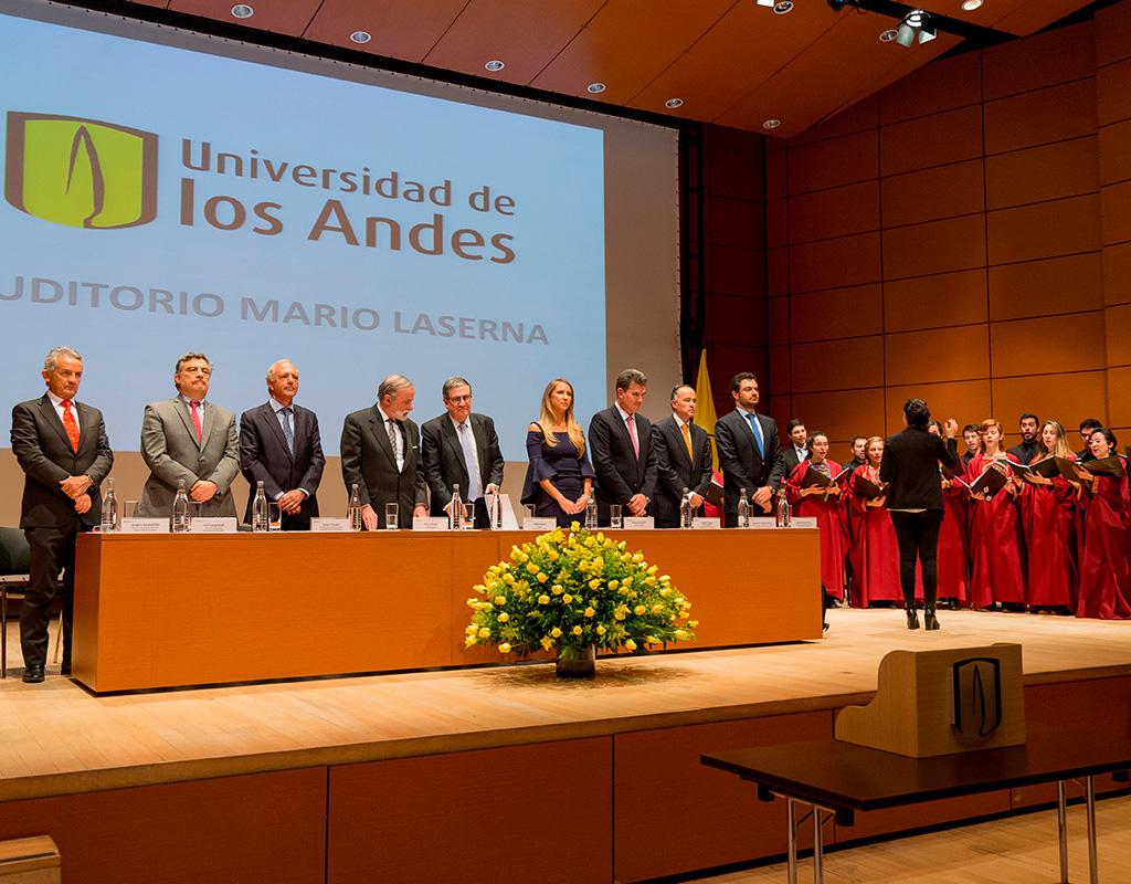 Invitados de la mesa principal a la ceremonia de grados de Medicina 2018-1.