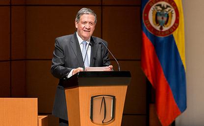 Pablo Navas, Rector de la Universidad de los Andes, durante su discurso en la Ceremonia de grados de la Facultad de Medicina 2018-1.