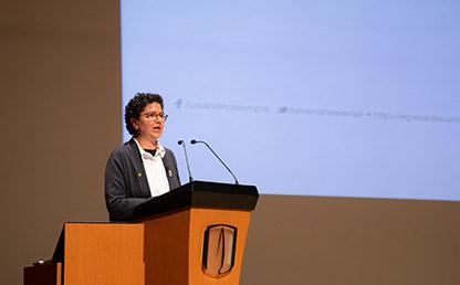 Silvia Restrepo, vicerrectora de Investigación Uniandes en ceremonia de grados