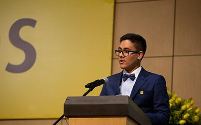 Santiago Neira Hernández, graduando de Uniandes en discurso de grado