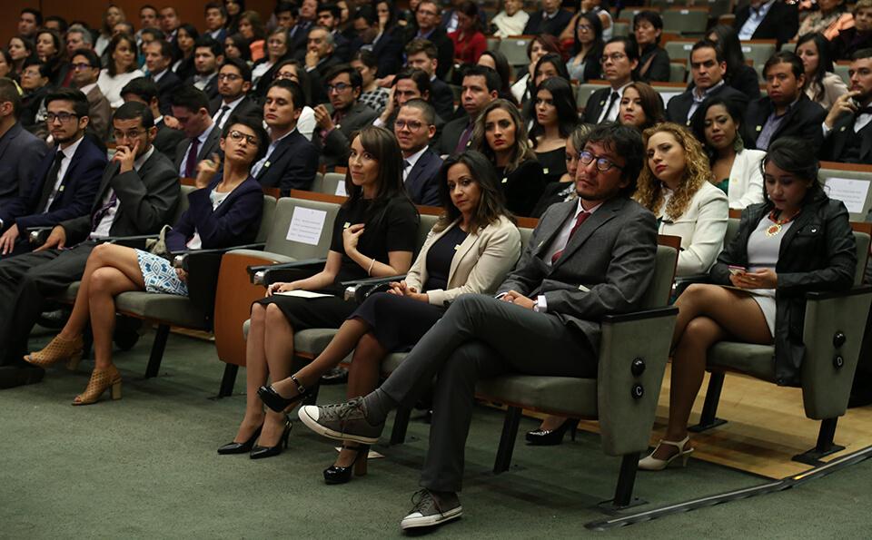 Foto graduandos grados posgrados 2016-2