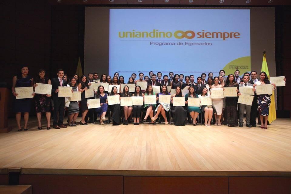 Foto grupal graduandos medicina 2016-1
