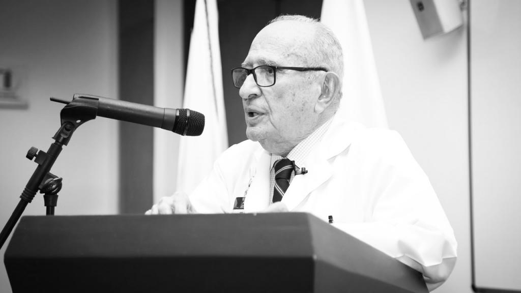 Foto del médico José Félix Patiño
