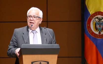 Foto de Javier Serrano, profesor emérito de Uniandes.