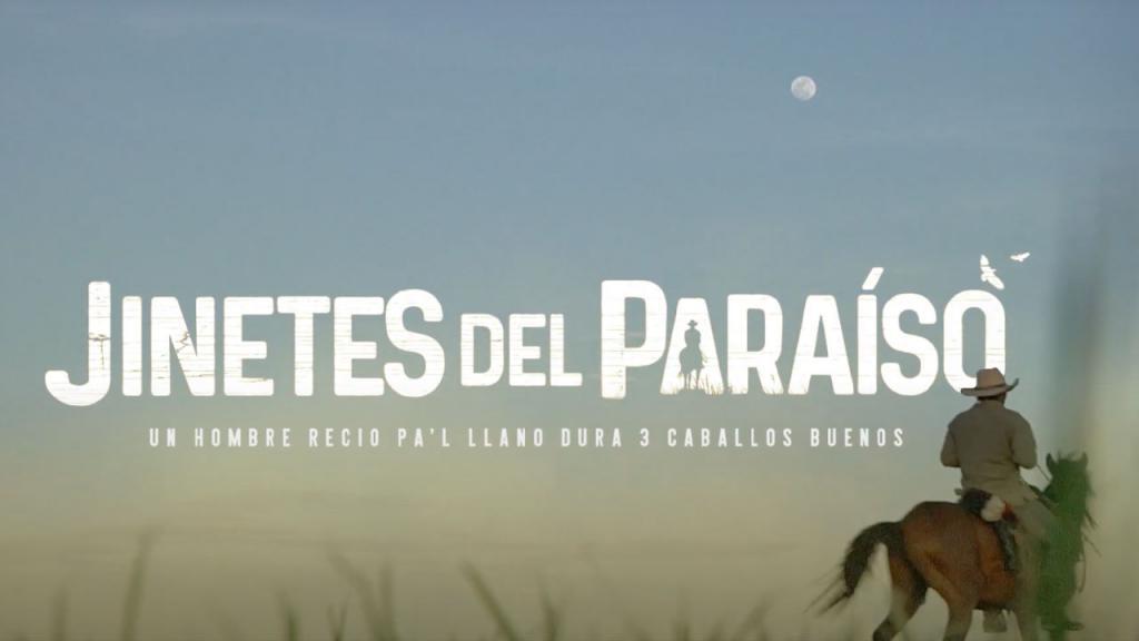 En la foto aparece una frase: Jinetes del Paraíso y a un costado la silueta de un hombre montando a caballo.