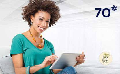 Imagen de mujer estudiando con una tableta
