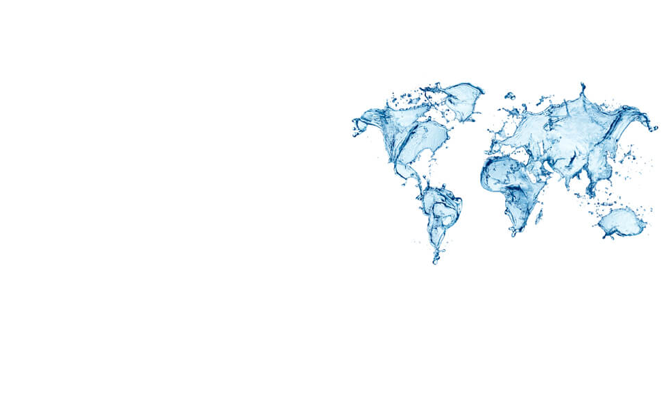 mapa de los 5 continentes hecho con salpicaduras de agua