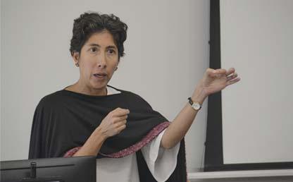 Marcela Eslava, decana de la Facultad de Economía de Los Andes