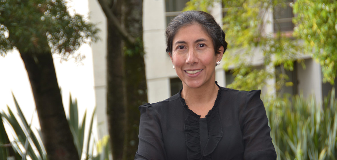 Foto Marcela Eslava, decana de la Facultad de Economía de los Andes