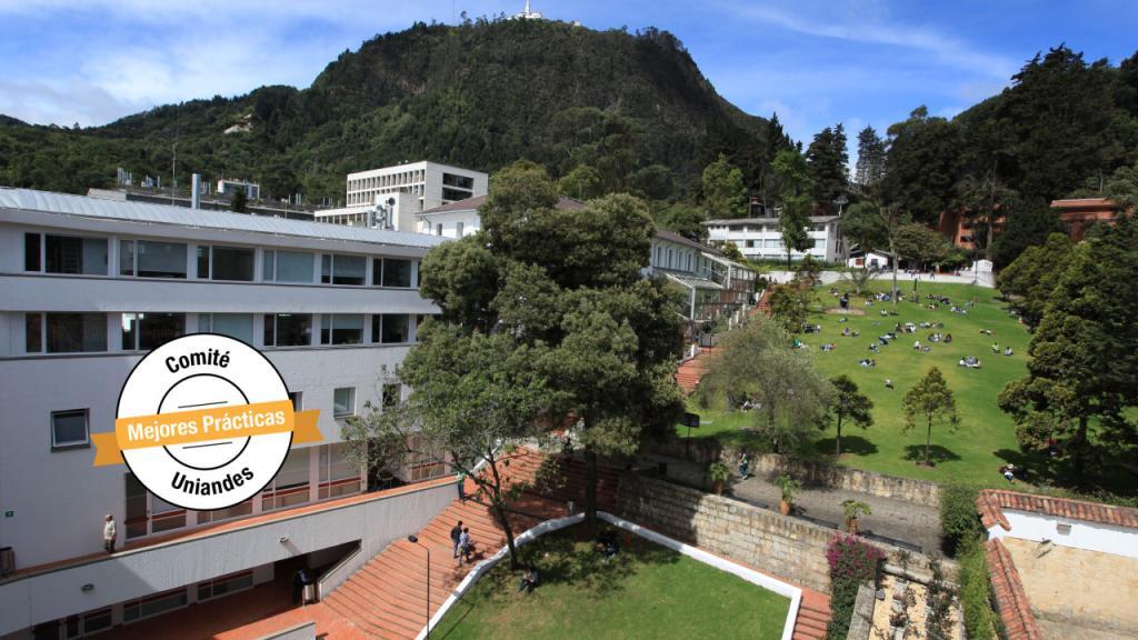 Imagen aérea del campus de la Universidad de los Andes.