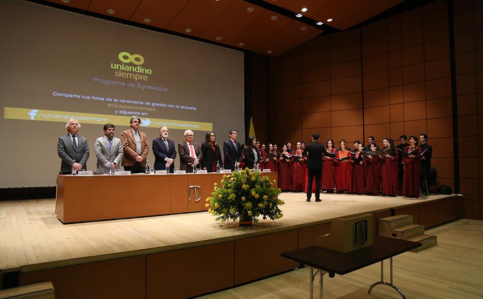 Foto Mesa de Directivos grados posgrados 2016-2
