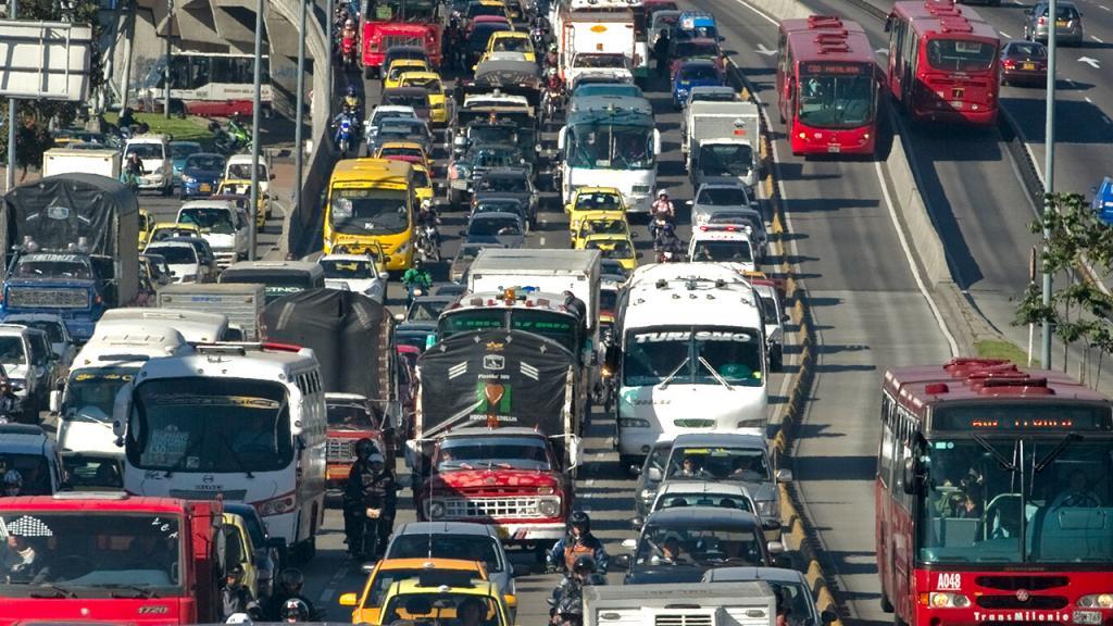 Tráfico en las calles de Bogotá