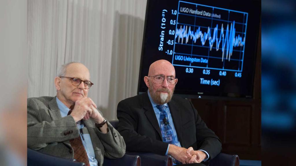 Los ganadores del Nobel de Física y co-fundadores de LIGO, Kip Thorne (derecha) y Rainer Weiss (izquierda)