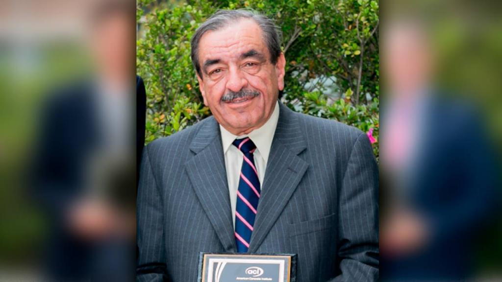Retrato del prodesor Luis García