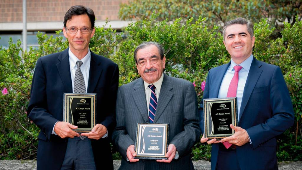 Retrato de tres profesores de Ingeniería de la Universidad de los Andes.