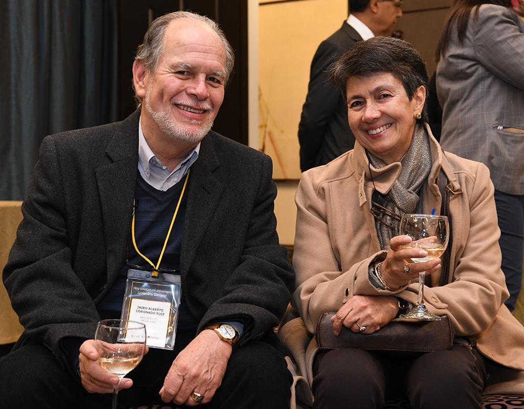 Egresados uniandinos durante la celebración de los quinquenios 2019 - 2020