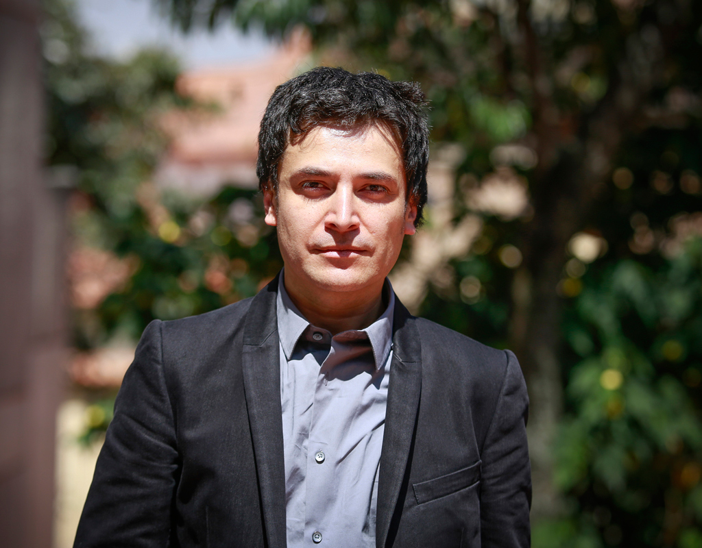 Hernando barrag n nuevo decano de la facultad de for Decano dela facultad de arquitectura