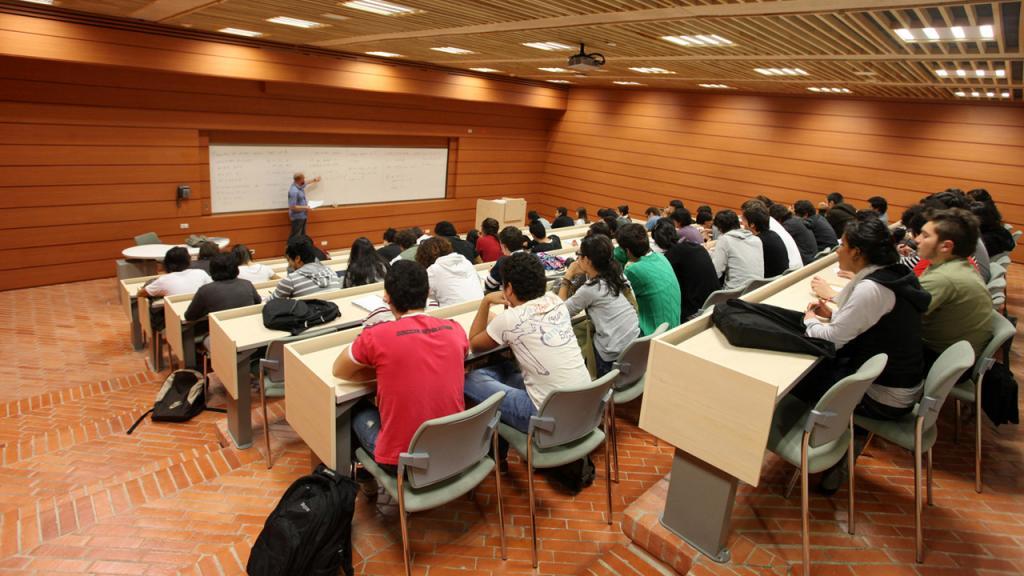 Salón de clases en la Universidad de los Andes