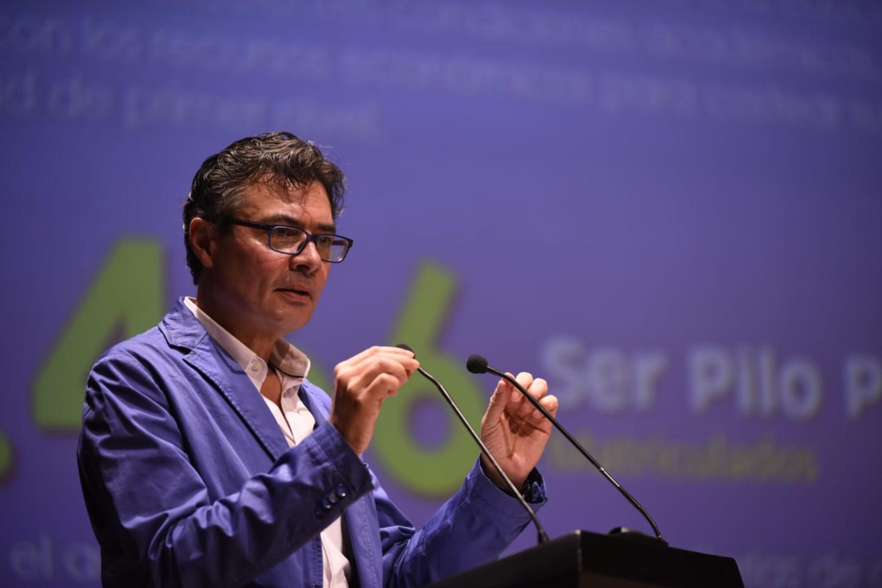 Imagen del rector de la Universidad Alejandro Gaviria