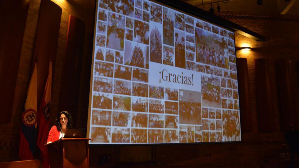 Imagen de la presentación de los resultados del proyecto. Carolina Maldonado, profesora de Los Andes