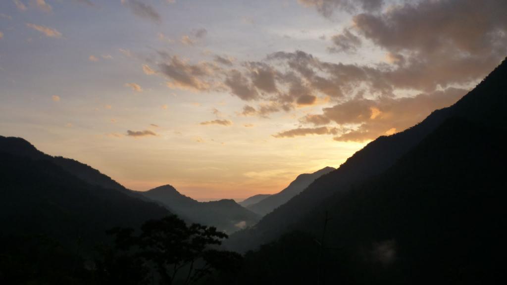 Imagen de un amanecer en la Sierra Nevada de Santa Marta