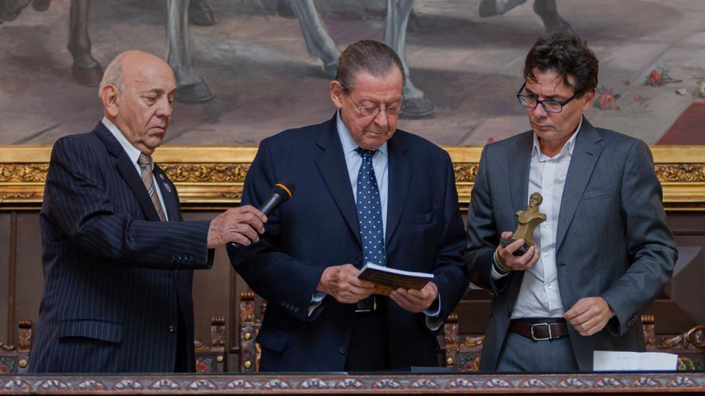 Directivos de la SBC y Alejandro Gaviria, rector de Uniandes