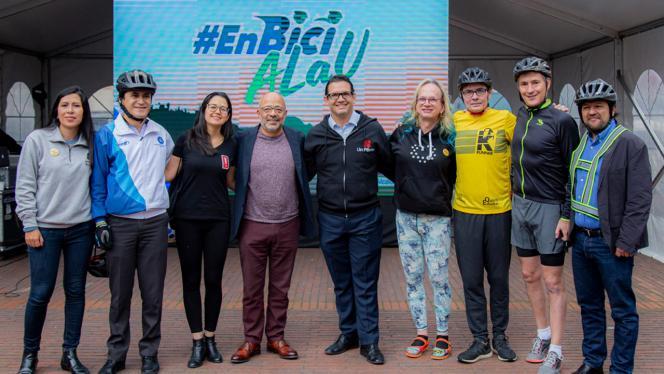 Foto de rectores y directivos de los Andes en el día en bici a la u