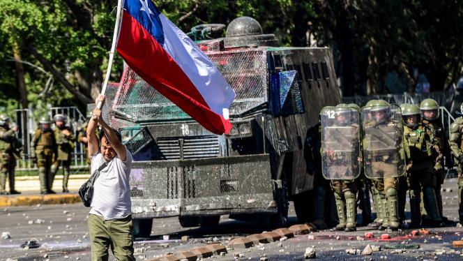 Bolivianos en protesta social en el país
