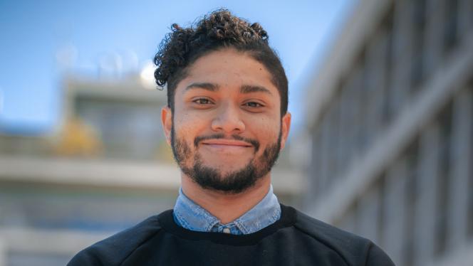 Estudiante ganador del Premio Nacional al Talento Joven