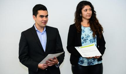 María Camila Rodríguez y Miguel Alexander Sotelo, becarios Roberto Rocca de Tenaris
